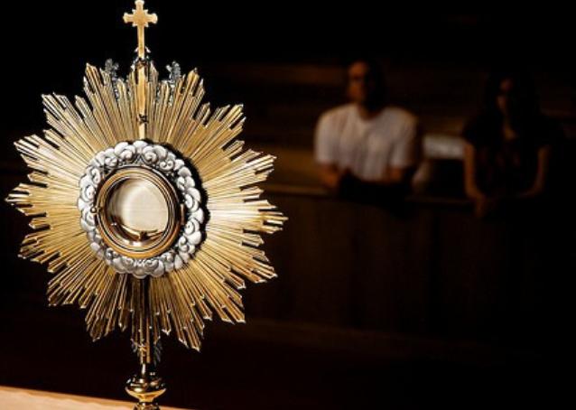 Nenutrūkstama adoracija Kauno arkivyskupijoje